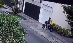 Delincuente vestido de repartidor asalta a mujer en San Borja
