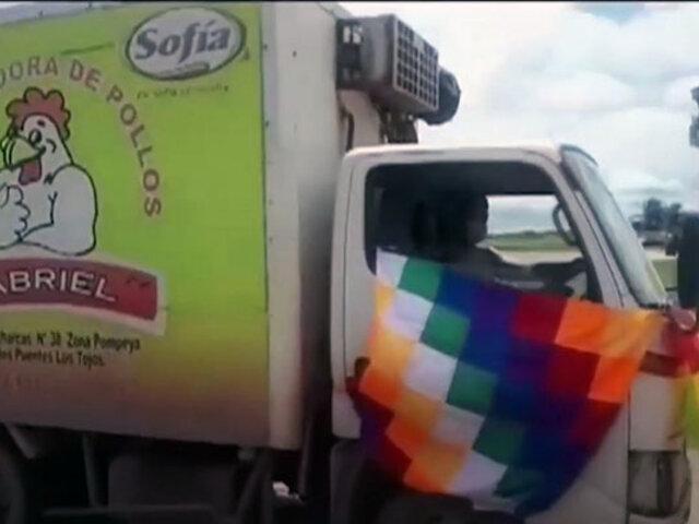 Bolivia: transportan vacunas anticovid en camión de pollos congelados
