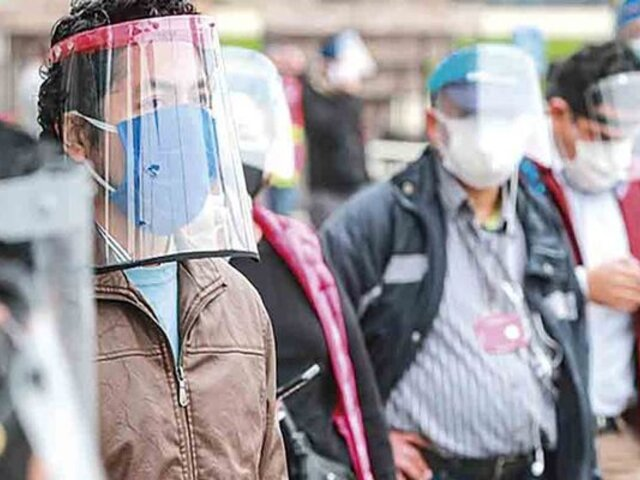 Protector facial obligatorio para ingresar a supermercados, centros comerciales y mercados
