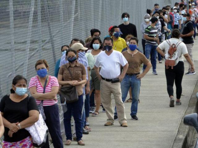 Elecciones en Ecuador: acuden a urnas para elegir a su próximo presidente