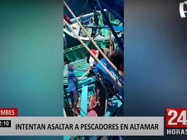 """Tumbes: """"piratas"""" intentan llevarse pesca del día de bolicheras en altamar"""