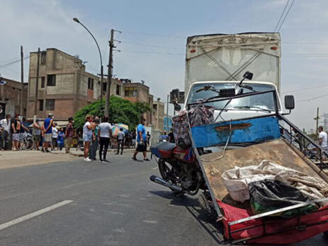 Camión de carga embiste y mata a trabajadora de reciclaje en SJL