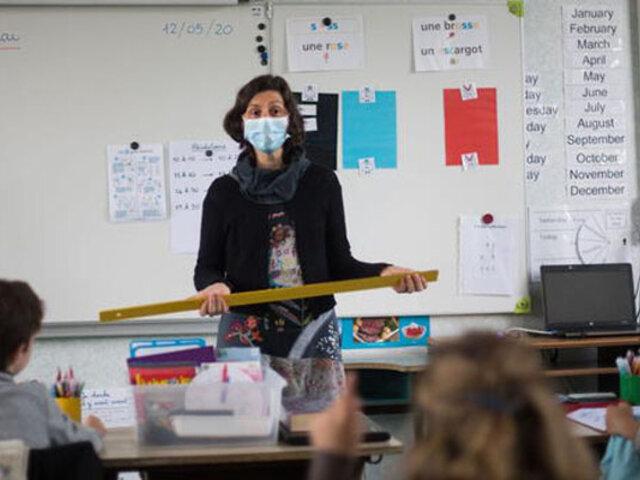 Covid-19: Francia impone uso obligatorio de mascarillas quirúrgicas en los colegios