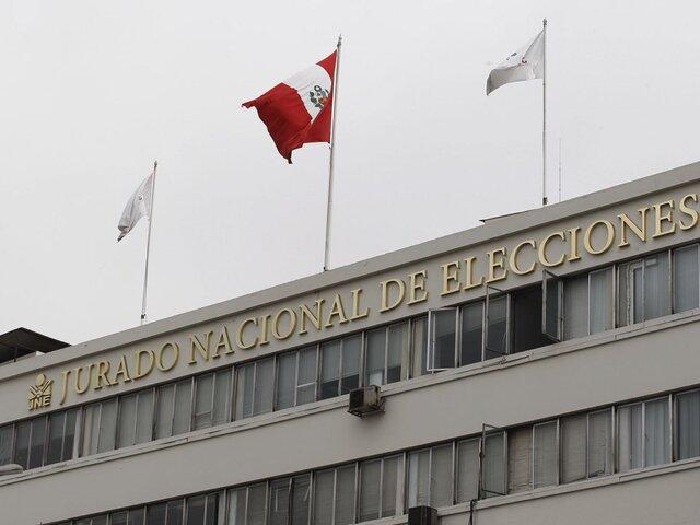 Juristas piden al JNE que resuelva irregularidades para respetar el espíritu de la Constitución