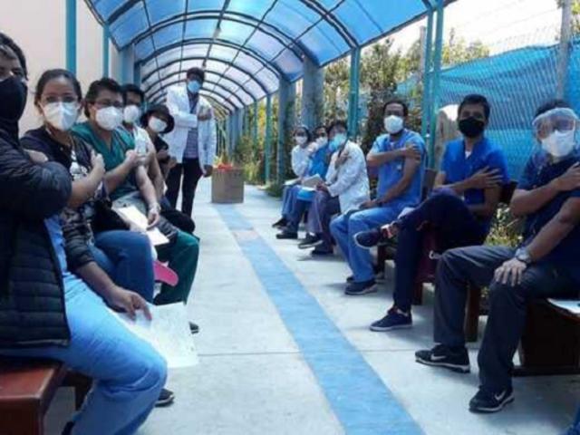 Arequipa: más de 3.000 profesionales de la salud ya recibieron la vacuna contra el coronavirus