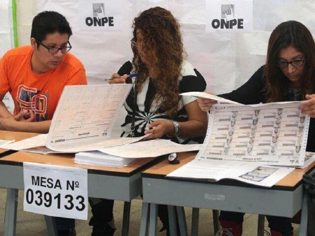 """Viceministro de Salud: """"No será posible vacunar a miembros de mesa antes del 11 de abril"""""""