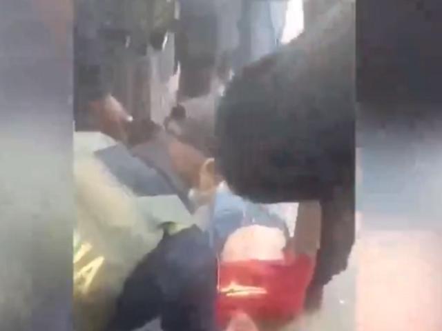 VES: denuncian que policía agredió a una persona con discapacidad durante intervención