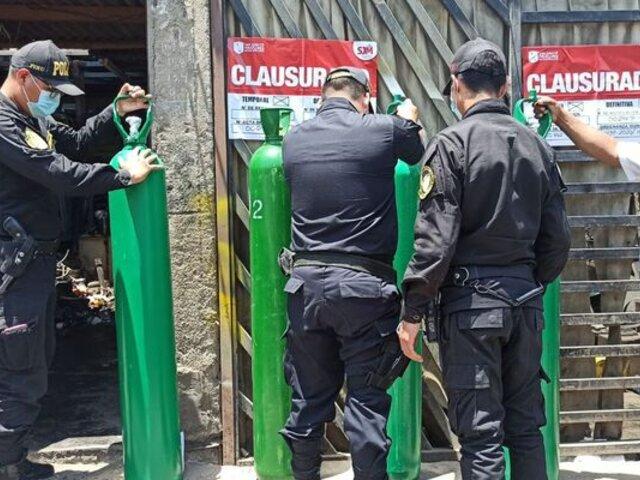 Hallan más de 30 balones de oxígeno en taller mecánico de San Juan de Miraflores