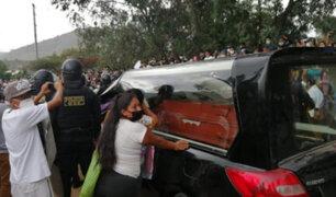 Huánuco: multitud recibe con banda musical restos de Silvano Cántaro para darle último adiós