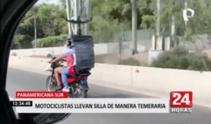 Panamericana Sur: motociclistas llevan silla de manera temeraria