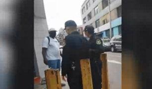 Cercado de Lima: ambulante es detenido tras rociar alcohol en los ojos a persona que no le compró
