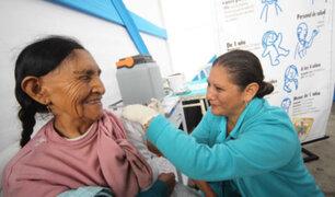 Este martes empieza vacunación de adultos mayores de albergues y SIS, afirma Bermúdez