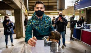 Messi votó por primera vez en las elecciones presidenciales del Barcelona