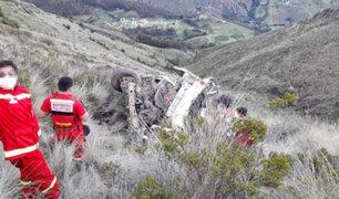 Tragedia en Ayacucho: un muerto y tres heridos graves deja caída de combi a abismo