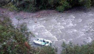 Puno: 10 heridos y 2 desaparecidos tras caída de combi al río Tambopata