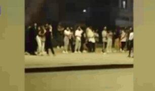Jóvenes se reúnen en parque para practicar coreografías en pleno toque de queda