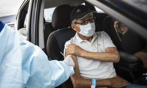 Inmunizarán a 2000 adultos mayores diarios en autovacunatorio del Parque de Las Leyendas
