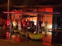 Piura: incendio en mercado Modelo destruye alrededor de 50 puestos [VIDEO]