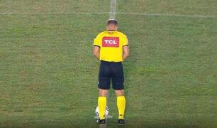 Escándalo en el fútbol brasileño: árbitro no aguantó y miccionó en medio de la cancha | VIDEO
