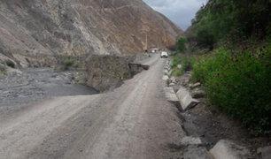 Carretera se derrumba parcialmente tras crecida de río Tablachaca en  Áncash