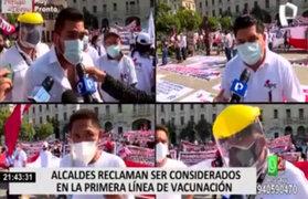 Alcaldes del Perú piden que trabajadores del sector público sea vacunados en primera línea