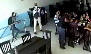 Delincuentes asaltan a todos los comensales de un restaurante en Villa el Salvador