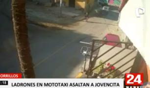 Chorrillos: cámaras registran asalto de 'raqueteros' en mototaxi