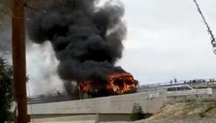 Prenden fuego a bus por no acatar paro de transportistas