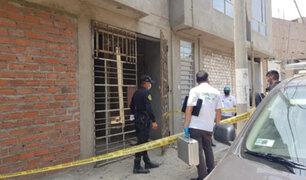 Vecinos alarmados: hallan restos humanos en una vivienda deshabitada  de Comas