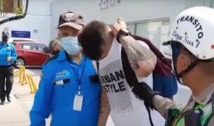 Miraflores: detienen a delincuente que robaba celulares a bordo de moto