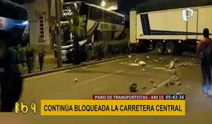 Paro de transportistas: carretera Central bloqueada por vehículos de carga pesada