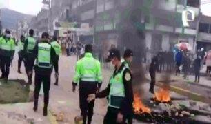 Ciudadanos queman llantas y agreden a personas durante el tercer día de paro nacional por transportistas