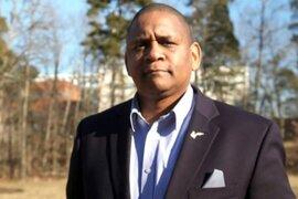 """John Hollis: escritor afroamericano es """"mina de oro"""" por sus superanticuerpos contra la COVID-19"""