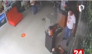 Tarapoto: captan a sujeto agrediendo a su pareja
