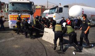 Paro de transportistas: PNP toma el control y libera vía en KM 15 de Carretera Central