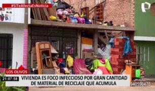 Los Olivos: vecinos fastidiados por familia que acumula desechos