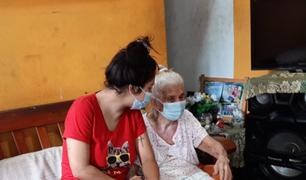 Loretana de 101 años es la primera asegurada en recibir vacuna contra la Covid-19 en el interior del país