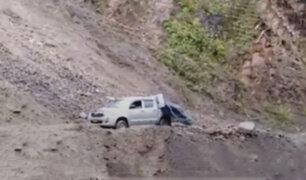 Deslizamiento de rocas estuvo a punto de acabar con la vida de cinco personas en Ayacucho