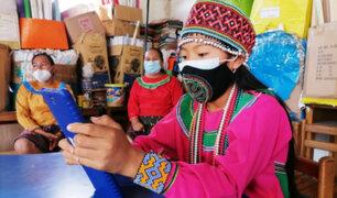 Cantagallo: entregan tablets a escolares de comunidad shipibo-conibo