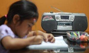 Policías recolectan equipos electrónicos usados para menores de bajos recursos