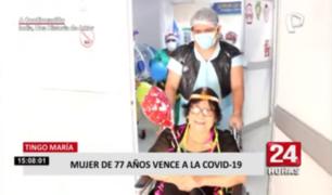 Adulta mayor fue despedida con cumbia tras vencer a la COVID-19 en Tingo María