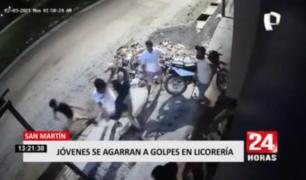 San Martín: jóvenes se agarran a golpes en exteriores de licorería