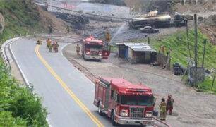 Carretera Central permanece cerrada tras explosión de cisternas que transportaban combustible