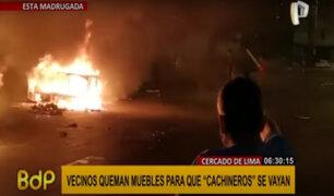 Cercado de Lima: vecinos queman muebles para que recicladores se retiren de la zona