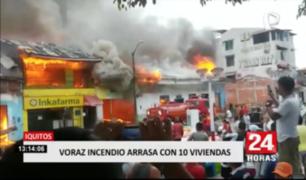 Voraz incendio arrasa con 10 inmuebles en Iquitos