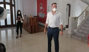 "Forsyth calificó de ""cobarde"" a López Aliaga por no confirmar participación en debate oficial"
