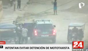 Tumbes: turba se enfrenta a la policía para defender a mototaxista
