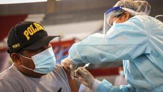 PNP: Aproximadamente 70 mil agentes ya fueron vacunados
