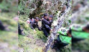 Apurímac: efectivos PNP rescatan con vida a menor que cayó a abismo
