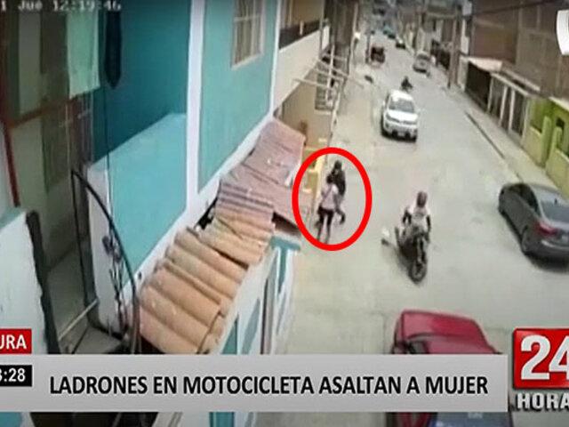 Piura: dos delincuentes en moto asaltan a mujer que salía a comprar a tienda
